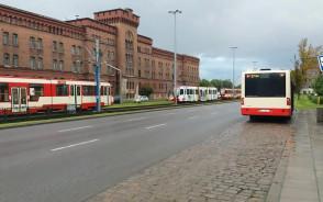 Stoją tramwaje na ul. Elbląskiej