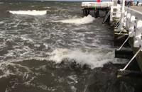Silny wiatr i sztorm na sopockim molo