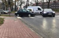 Skutki kolizji na Dąbrowskiego w Gdańsku