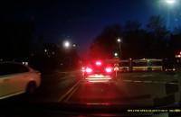 Autobus w Gdańsku jedzie na czerwonym świetle
