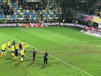 Brawa dla piłkarzy po meczu Arka Gdynia - Lech Poznań