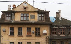Pusty zabytek przy SKM Gdańsk Politechnika