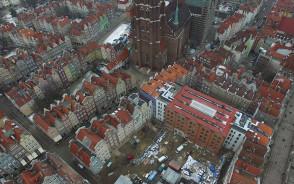 Kończy się budowa nowego hotelu przy Długiej