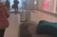 Ewakuacja w galerii na Morenie