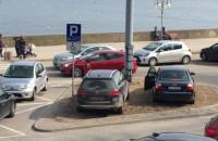 Skandaliczne parkowanie przy Bulwarze Nadmorskim