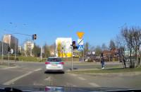 Policja - przejazd na żółtym świetle... ;)