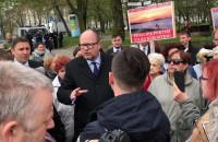 Prezydent wyszedł do protestujących