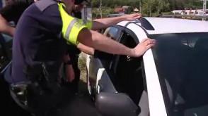 Uwalnienie 2-latka z nagrzanego samochodu w Rumi