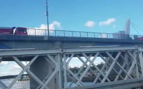 Próby obciążeniowe na moście w Sobieszewie