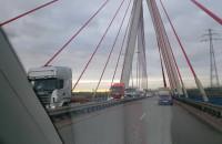 Na moście trasa Sucharskiego - korek 2km