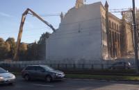 Wyburzanie budynku przy Lastadia w Gdańsku