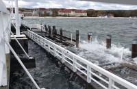 Wzburzone morze przy Molo w Sopocie