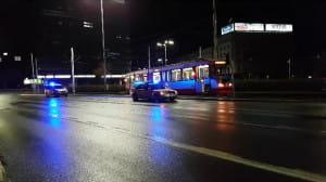 Skutki wykolejenia tramwaju przy dworcu