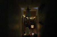 Pewien korytarz... w pewnym zwykłym ...