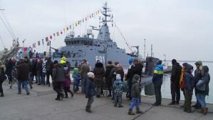 Zwiedzanie okrętów podczas Pikniku Marynarskiego