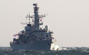 Brytyjski okręt HMS Westminster w porcie w Gdyni