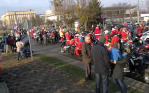 Kolejni Moto Mikołaje przybywają