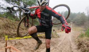 6. Cyclocross w deszczu i błocie