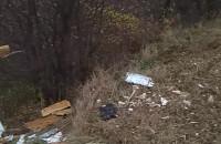 Ktoś regularnie wywozi śmieci w okolice Krepca
