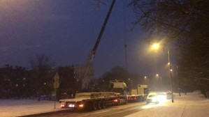 Samochody ciężarowe tamują ruch na Witominie
