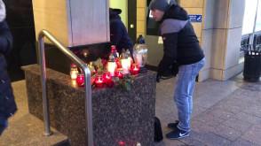 Znicze pod UM w Gdańsku