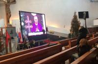Mieszkańcy Gdyni oglądają pogrzeb Pawła Adamowicza