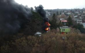 Pożar altany na działkach na Jasieniu