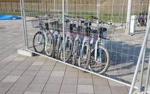 Rowery Mevo przed Energa Stadionem