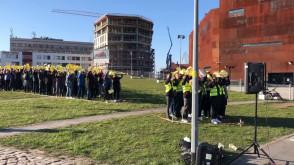 Wykrzyknik od uczniów dla nauczycieli w ramach poparcia strajku