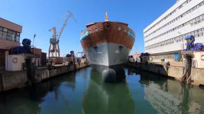 Wodowanie jednostki HMS Atremis