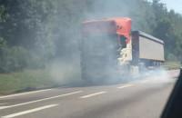 Dymiący się tir na obwodnicy w stronę Gdyni
