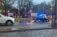 Karetka uderzyła w sygnalizator w Sopocie