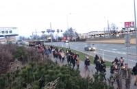 Tłumy zakupowiczów zmierzają do Riviery w Gdyni