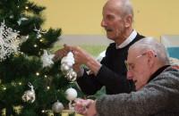 Seniorzy. Jak spędzają święta w domu pomocowym?