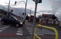 Krok od wypadku na przejściu dla pieszych