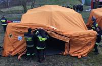 Ćwiczenia - strażacy rozkładają szpitale polowe