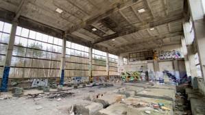 Trasa Kaszubska: ruiny budynku Polifarbu
