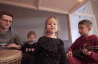 Piosenka o koronawirusie rodziny z Otwocka