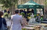 Urna z prochami Macieja Kosycarza została złożona do grobu