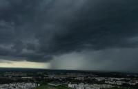 Potężne chmury burzowe nad Gdańskiem