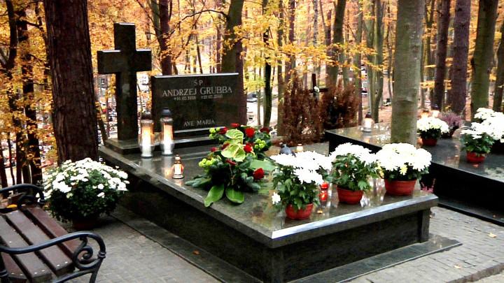 Groby znanych gdańszczan na cmentarzu Srebrzysko.