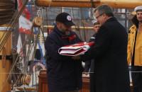 """Prezydent RP przekazał banderę """"Zaruskiemu"""""""