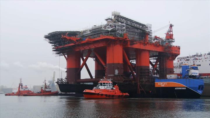 W kwietniu 2013 r., przy użyciu barki zanurzalnej Rem Lift, dokonano operacji podniesienia z&nbsp;wody potężnej konstrukcji platformy wydobywczej FPF1.<br/>