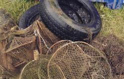 Sto ton śmieci wyłowionych przez rybaków