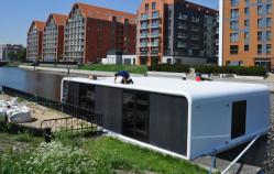 Apartament na wodzie zacumował w Gdańsku