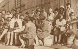 Parowozy w stoczni, emigranci w porcie