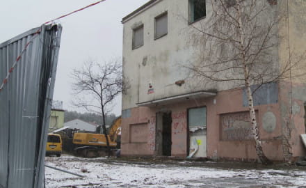 Rozbiórka dawnego kina Marynarz