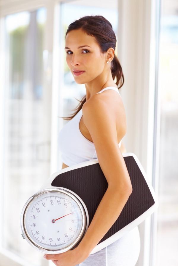 Jak schudnąć bez wysiłku. O której jeść śniadanie?
