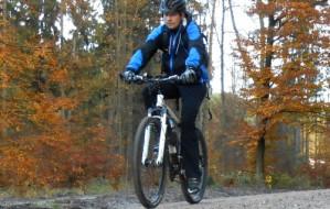 Jak przetrwać jesień  na rowerze?