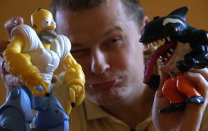 Zbiera figurki amerykańskich superbohaterów